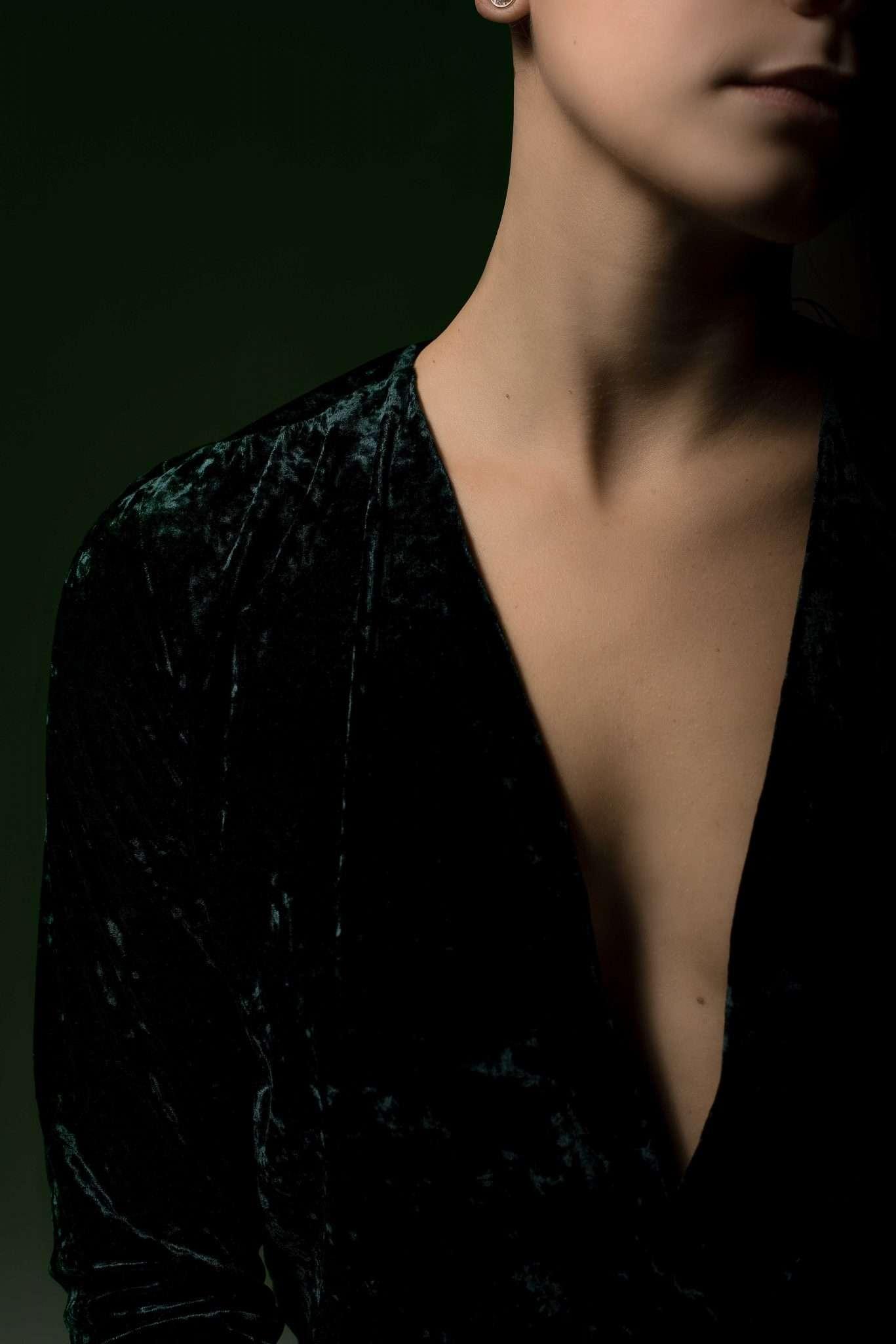 Fotografia ritratto donna capello rosso realizzata da Barbara Trincone, fotografa ritrattista professionista, esegue servizi di creazione ed ampliamento look book per modelle/i e attori