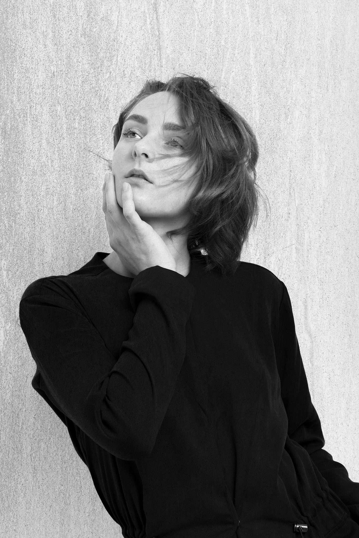 Fotografia ritratto modella di Napoli in bianco e nero realizzata da Barbara Trincone fotografa ritrattista professionista con studio a Pozzuoli, esegue servizi di creazione ed ampliamento book per modelle/i e attori