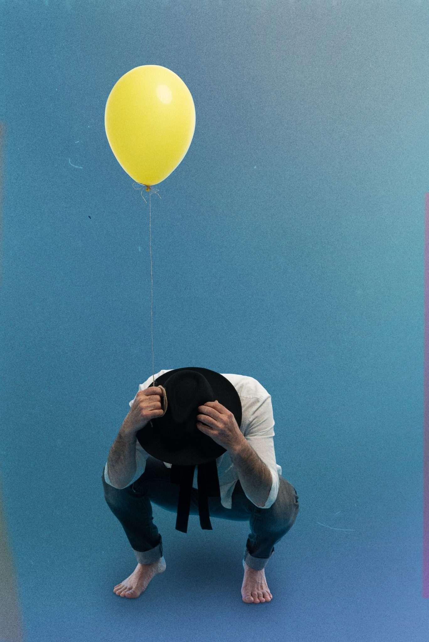 Fotografia album musicista Mario Castiglia realizzata da Barbara Trincone fotografa professionista a Napoli specializzata in fotografia musicale, ritratti per artisti, band, attori, cantanti, musicisti