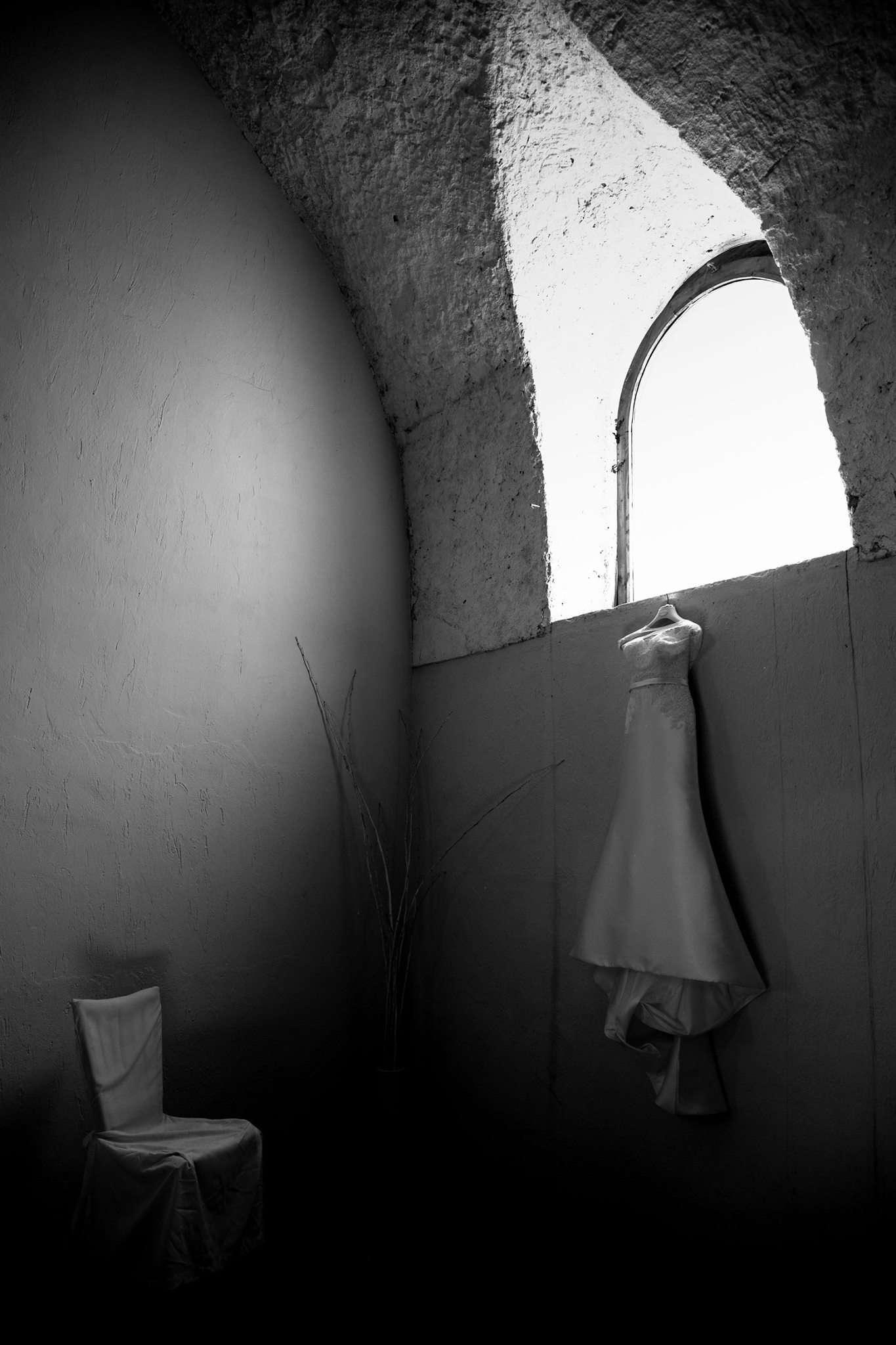 fotografia abito sposa wedding photography realizzata da Barbara Trincone fotografa con studio a Pozzuoli - Napoli