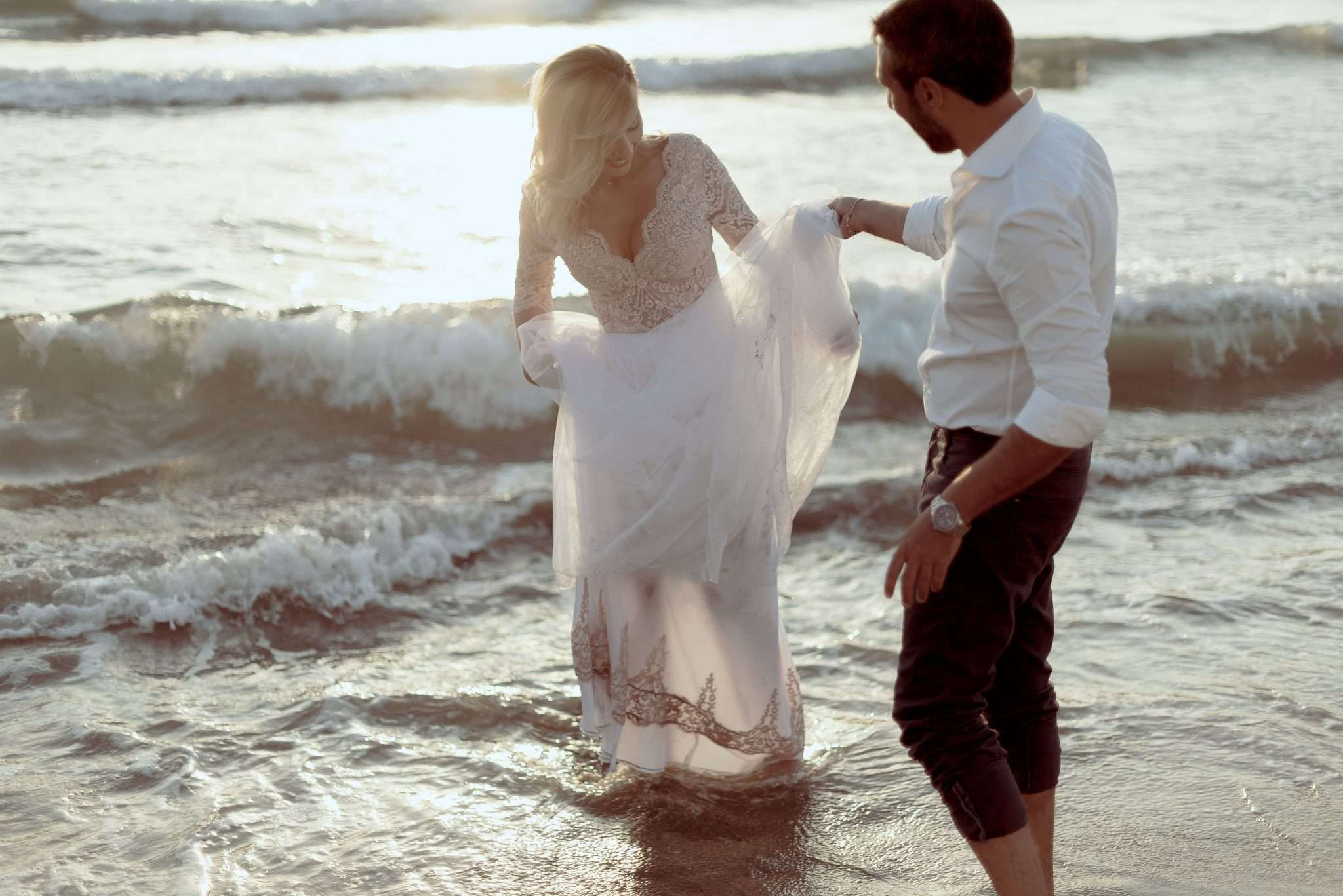 Fotografia mare sposi wedding reportage realizzata da Barbara Trincone fotografa con studio a Pozzuoli - Napoli