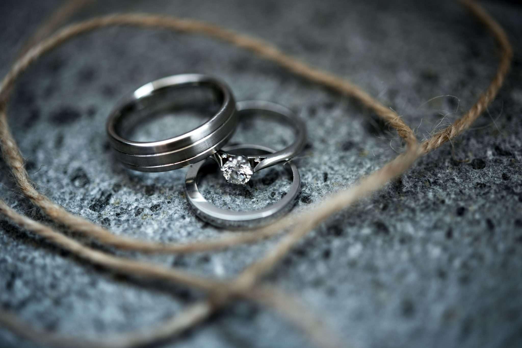 Fotografia Still Life anelli matrimoniali realizzata da Barbara Trincone fotografa con studio a Pozzuoli Napoli, specializzata in wedding reportage