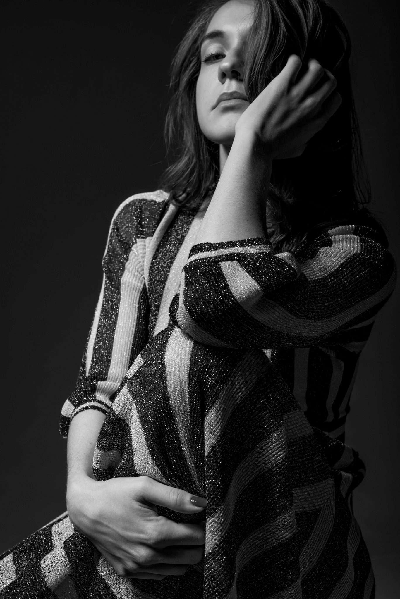 Fotografia ritratto donna in bianco e nero realizzata da Barbara Trincone, fotografa ritrattista professionista, esegue servizi di creazione ed ampliamento look book per modelle/i e attori