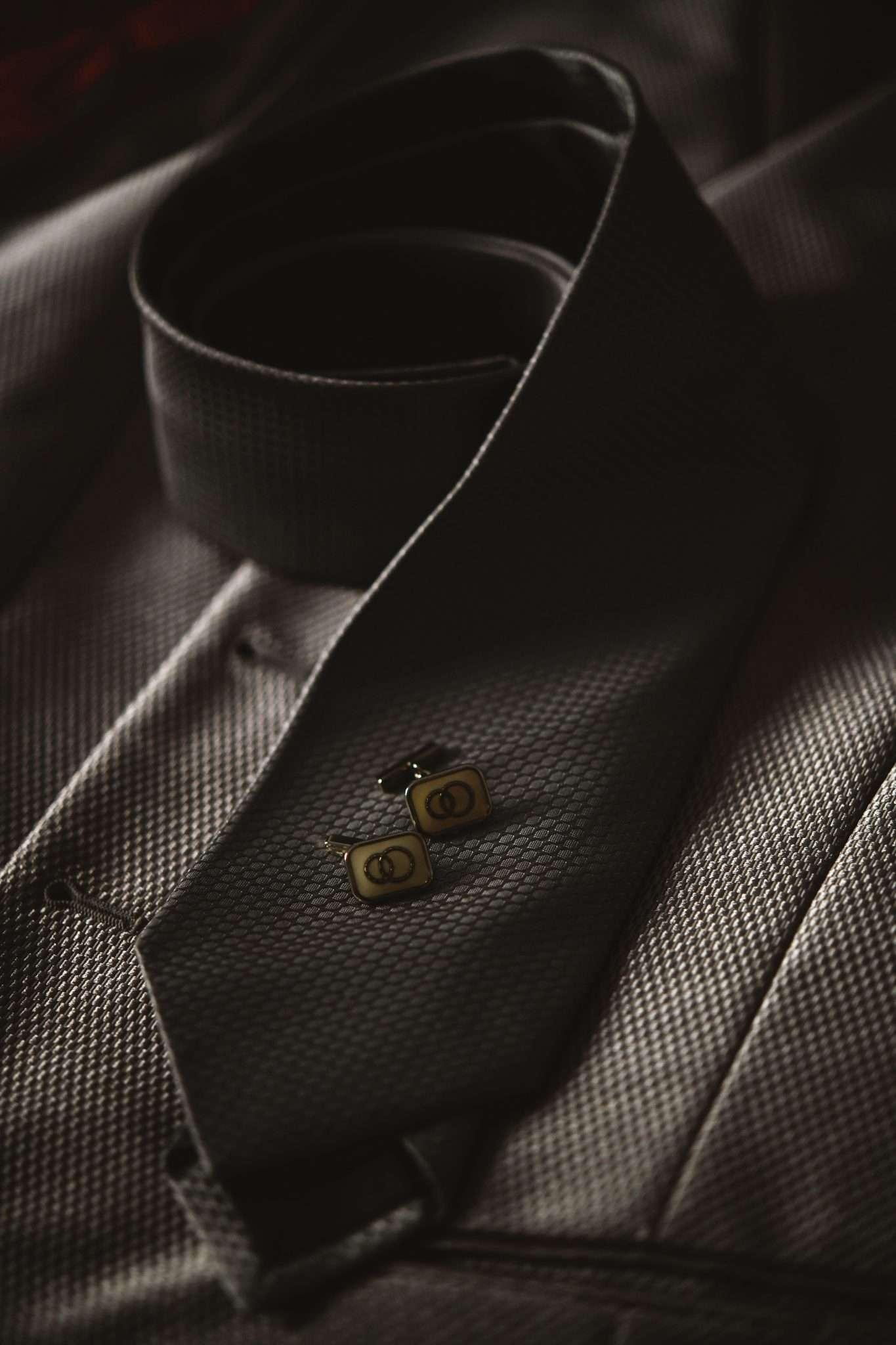 Foto still life cravatta matrimonio realizzata da Barbara Trincone fotografa con studio a Pozzuoli - Napoli