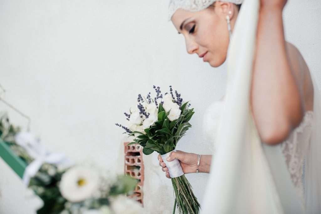 Fotografia di meravigliosa sposa a Napoli