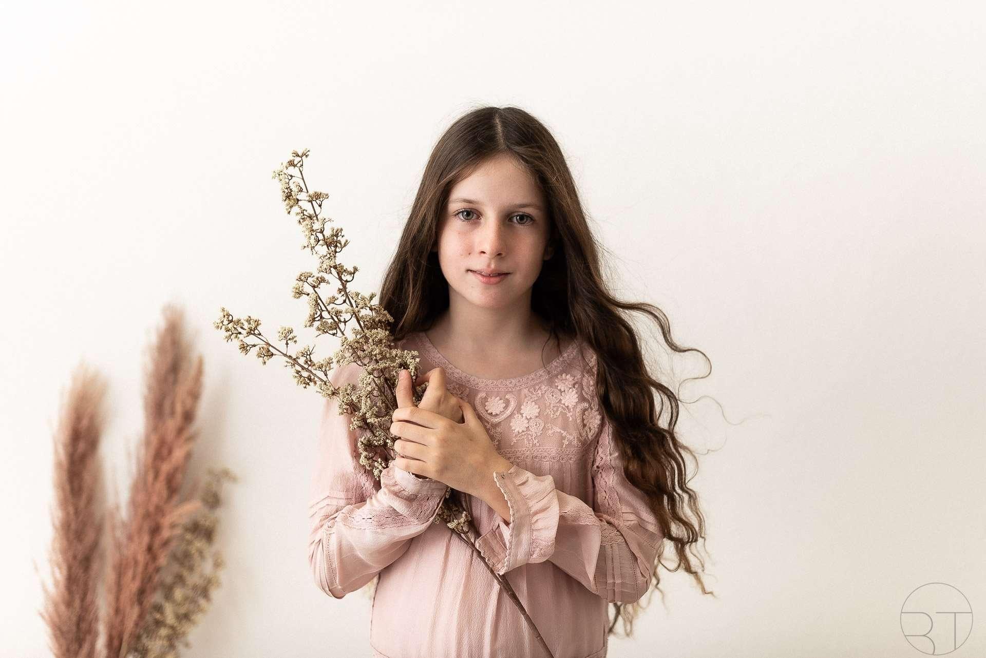 Ritratto di ragazza con fiori
